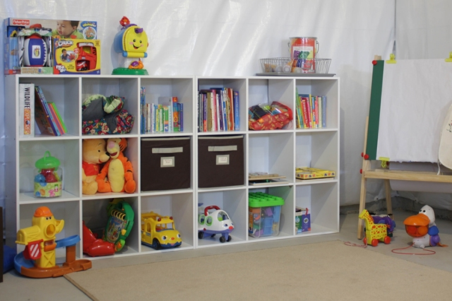Organizing kids spaces circus berry for Kids toy rooms