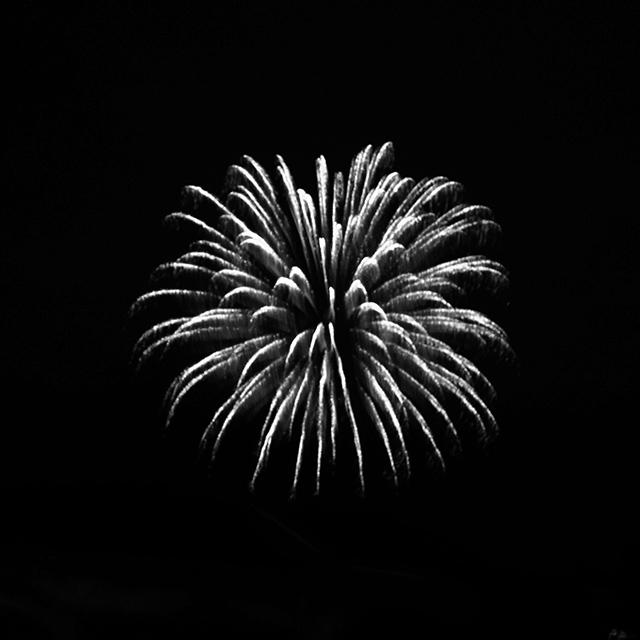 bw-fireworks-1