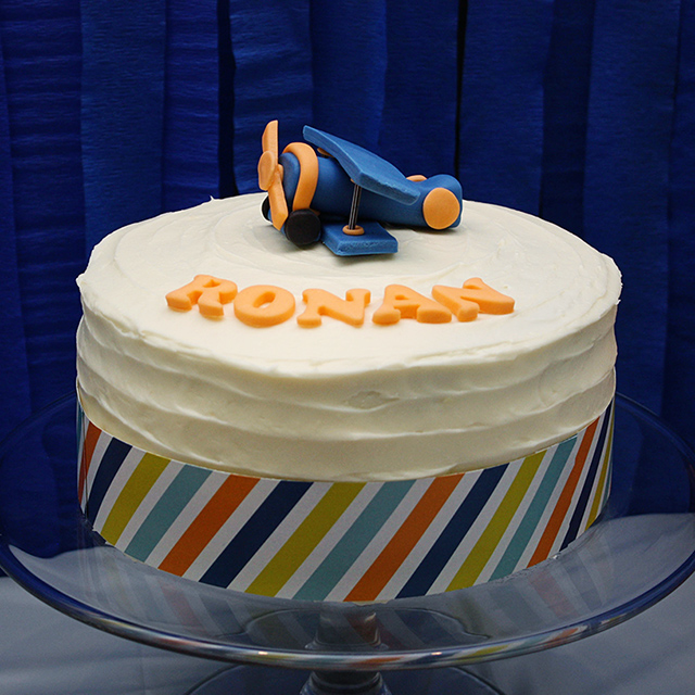 airplane fondant topper