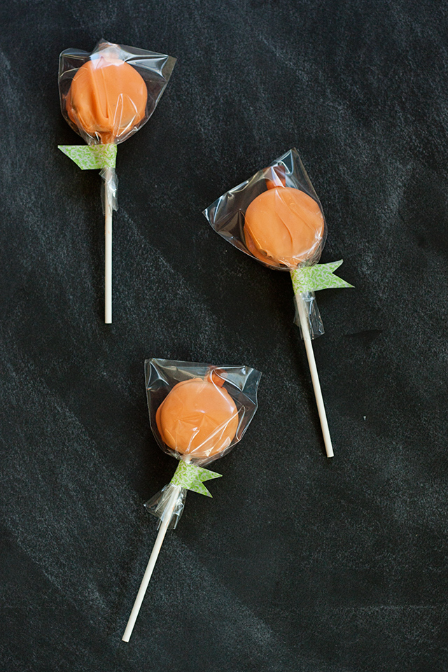 oreo-pumpkin-pop-favors