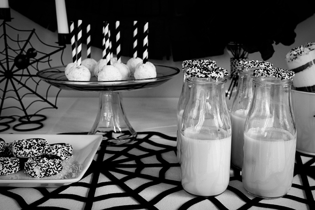 black & white halloween party at Organize & Decorate Everything
