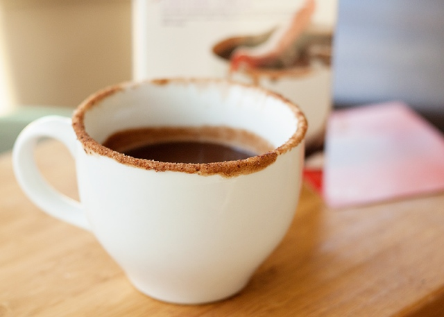 hot-chocolate-with-spicy-cocoa-rim