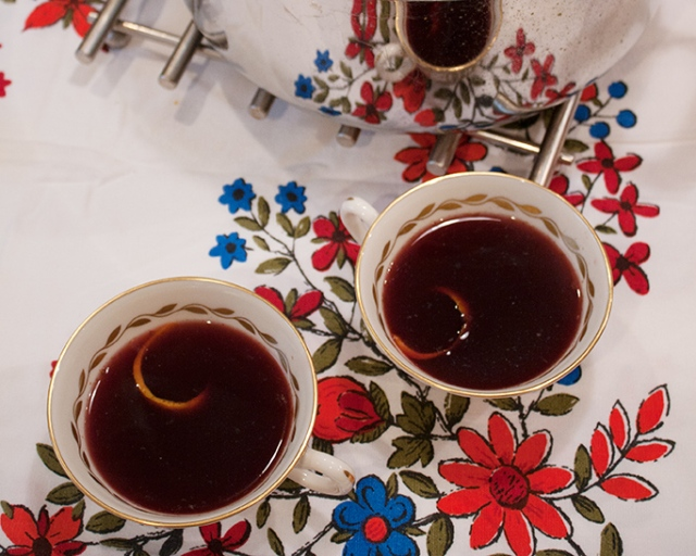 mix it up {mulled spiced wine}