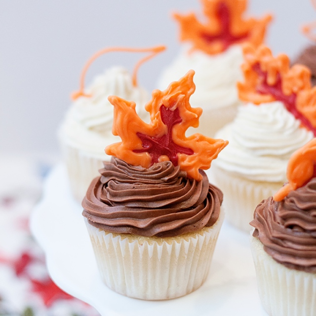 candy-leaf-cupcake-toppers