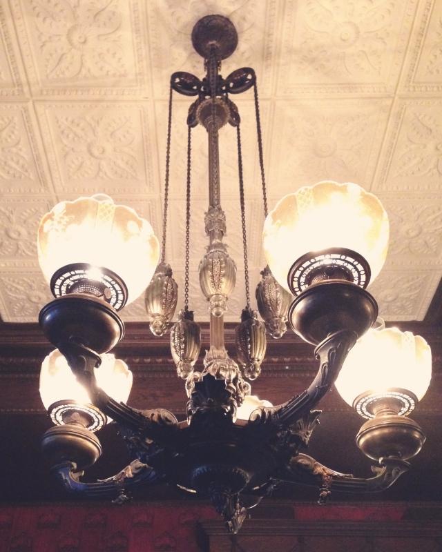 tavern-chandelier