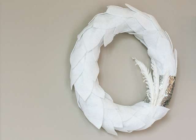 white-felt-&-feather-wreath