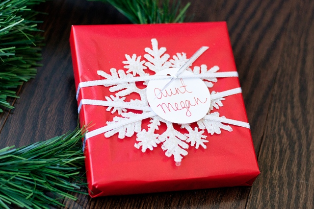 snowflake-ornament-wrap